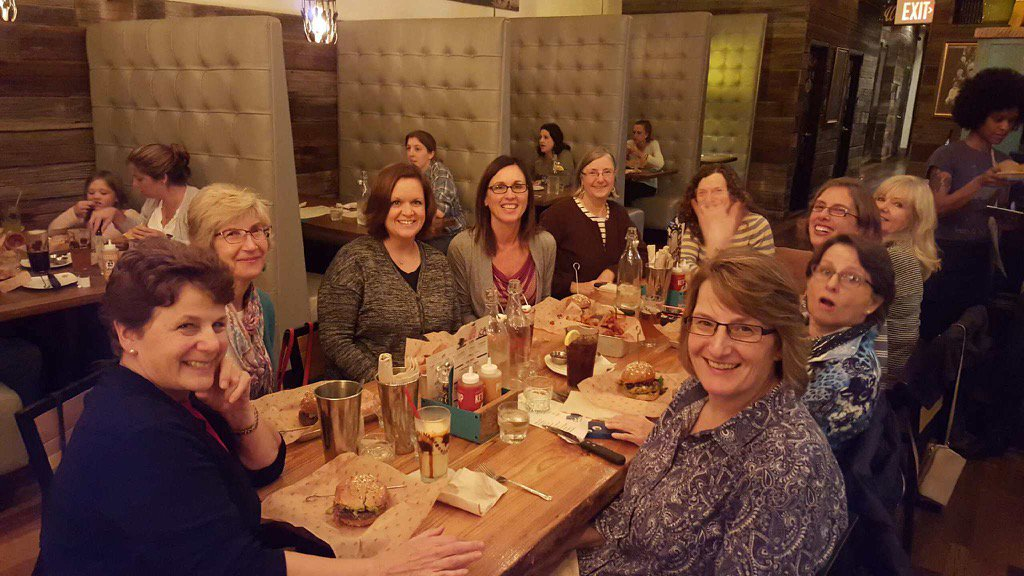 Great #aasl15 dinner w/ local librarians night at Bareburger in Columbus w/ old & new friends https://t.co/0GSI1G8kGT