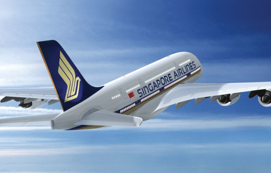 To celebrate #NYCTravelMassive on Nov 9 @SingaporeAir is giving away a model A380 jumbo jet. RT for a chance to win! https://t.co/tJ2AZdnTs9