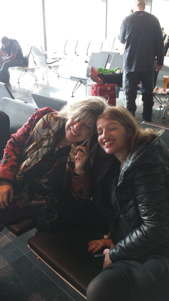 MT @DeboraFacchini: #ASTERinUSA parte la delegazione @RegioneER con le 10 #startup e @caselli_s https://t.co/8sJ31hofdX ✈