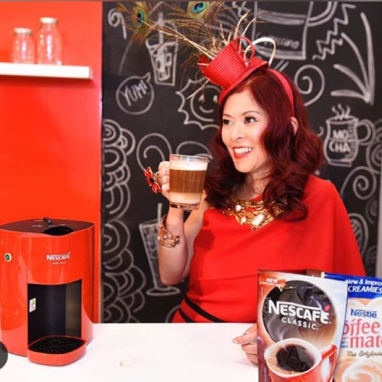 I just love the new Red Nescafe mug machine! Cappuccino in just 2 minutes! #StartCreating your own #coffeecreations https://t.co/gKcLy1HF5C