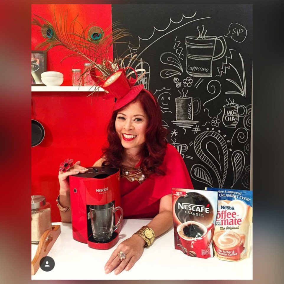 Presenting the new #RedMugNescafe #coffeemachine I used to #StartCreating my own Xmas cinnamon coffee! @NescafePH https://t.co/0utRhlOnTh