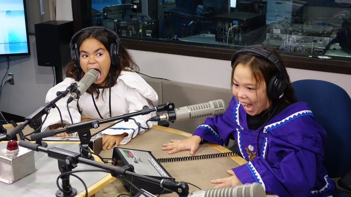 In case you missed it: radio gold to brighten your day #Giggles #MinistersOfCute  https://t.co/9ujjXvxYof https://t.co/lG4KKScRaF