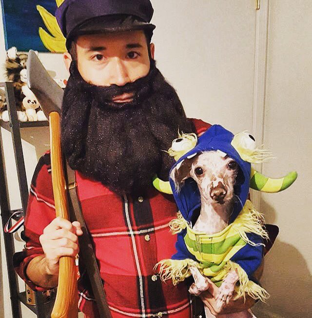 paul bunyan his trusty sidekick babe say hello costume dressyourpet halloween tbt mydognoseit httpstco5tpzu6sdev