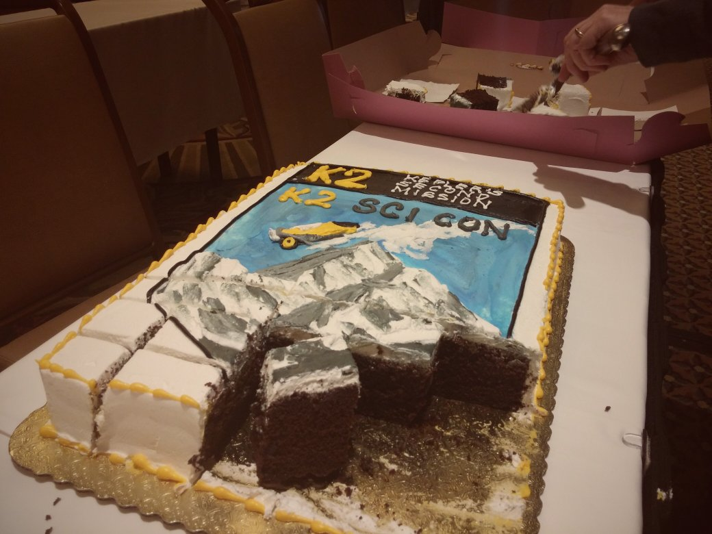 Not only do we have sweet sweet data, we also have sweet sweet cake! Thank you @lcogt for #K2SciCon! #K2mission https://t.co/PxHwIYm4BI