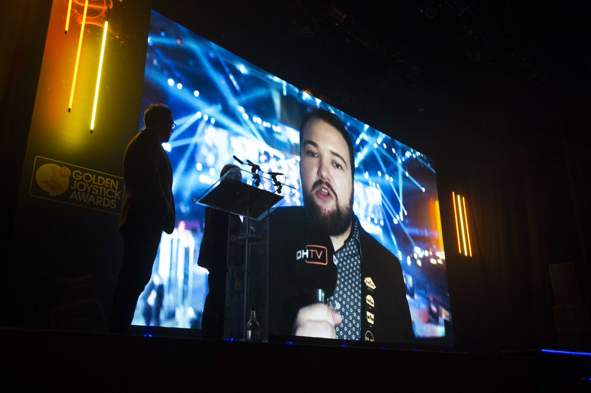 Your eSports Icon of the Year, sponsored by @Gfinity was @OnFireAnders Blume! Congrats. #goldenjoystick https://t.co/APRhk4ii3s