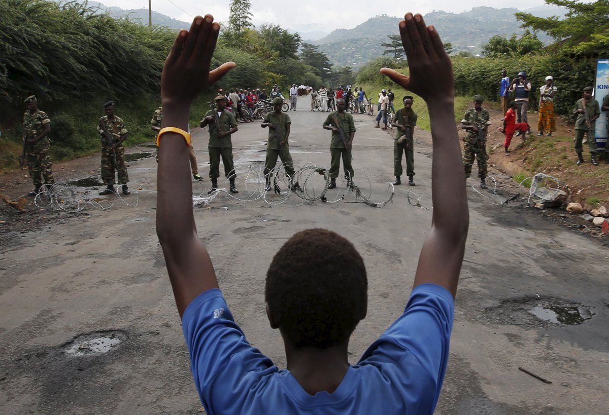 #Burundi again faces the possibility of mass atrocities and civil war. Read our alert:  https://t.co/mFX97sJ7G7 https://t.co/6CVepLMCyk