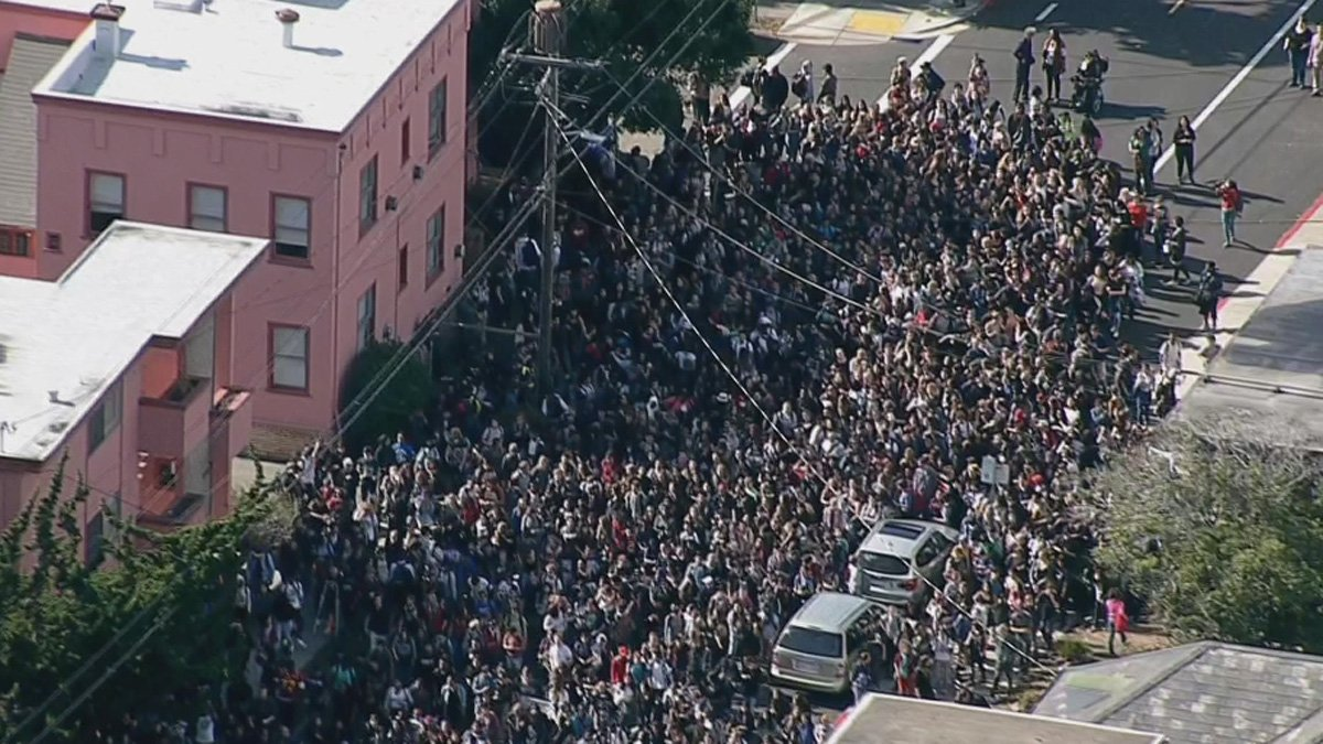 #BREAKING LIVE VIDEO: Berkeley HS students walk out over racist messages on library computer https://t.co/ebv9F5E31b https://t.co/YIwbghlE5u