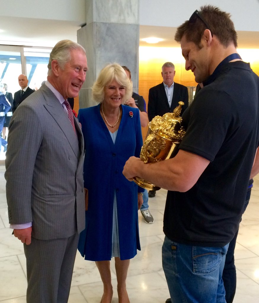 Their Royal Highnesses congratulated rugby world champions @AllBlacks while in #Wellington today. #RoyalVisitNZ https://t.co/c3sFH9bOMk