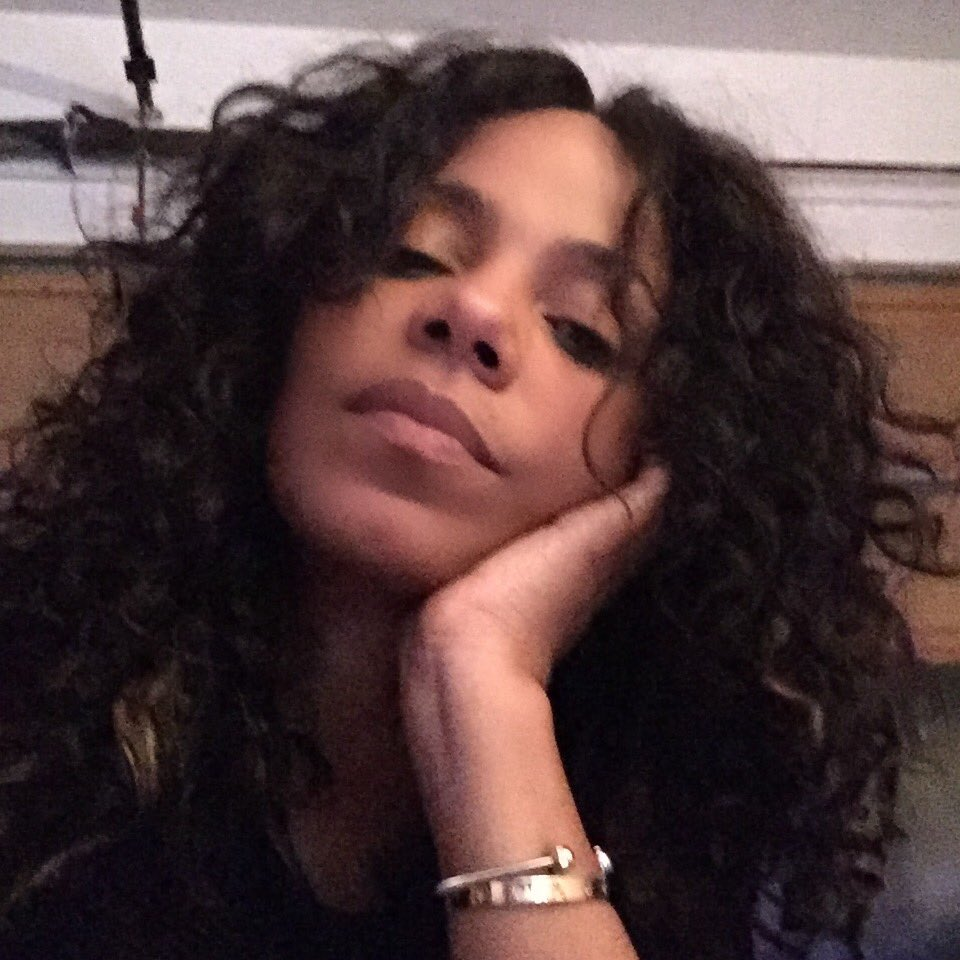 Sanaa Lathan On Twitter Quot Curly Hair Don T Care 💰 Https