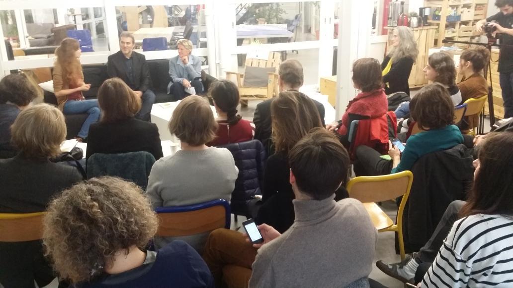 Les parisiens mobilisés pour parler de la jeunesse dès le matin ! @SenseCubeCC #changerdere #SocialGoodWeek https://t.co/fJM80Z6a2G