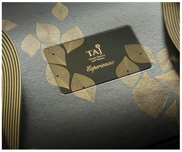 #LightUpHearts this festive season by gifting your loved ones a #Taj Gift Card. Details here http://bit.ly/1WvLxpX pic.twitter.com/xqOqPkutWa