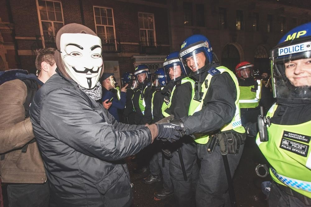 vicenews: RT VICEUK: London's #MillionMaskMarch was a weird, awkward pantomime: https://t.co/Ikp5QsdynL https://t.co/TDi2ucm6SI