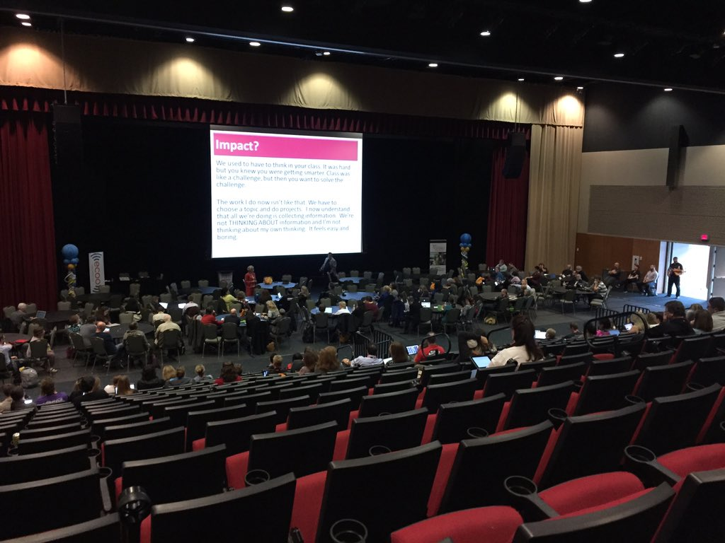 If you belong in one of these empty seats you missed a great final keynote from @HeidiSiwak #bit15 https://t.co/716EaSmcA0