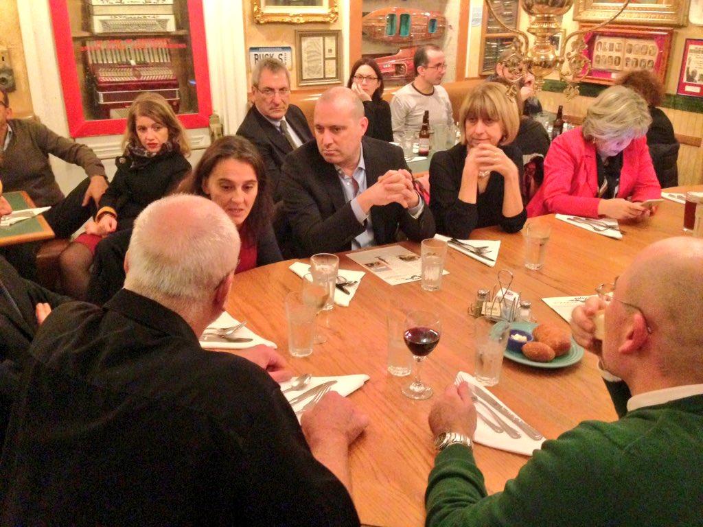 Aggiornamenti da #ASTERinUSA ! La delegazione della @RegioneER a cena con David Carlick: https://t.co/SWT0FZDjjM https://t.co/QPn4DaS88O