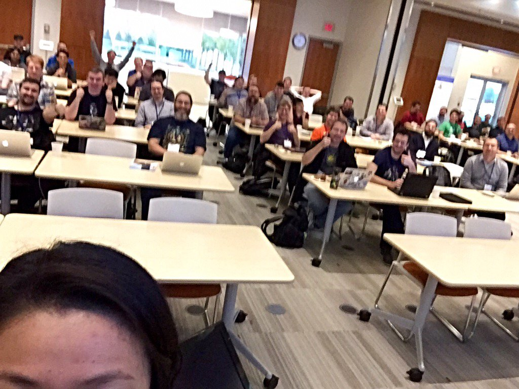 Here's my attempt at a selfie before my keynote. I need practice. #tnphp #thatsmyhead https://t.co/CnLkLSSOrk