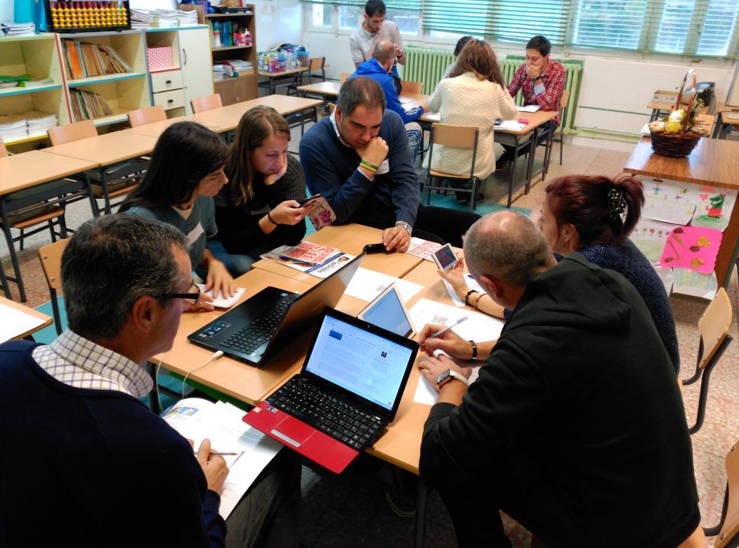 Los profesores reflexionamos juntos en #SGLab de @colsangregorio https://t.co/xAIg3KcwRf