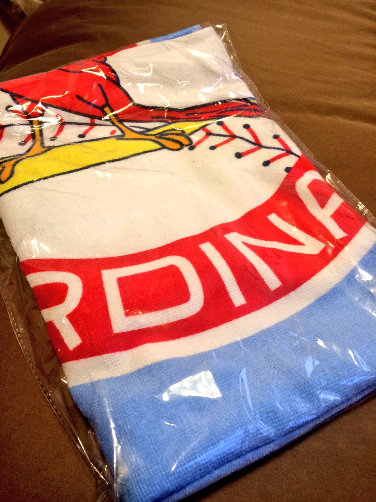 Since I was in Florida last weekend, who wants to win a #STLCards beach towel? RT to enter to win! https://t.co/c7HqUTkm8B
