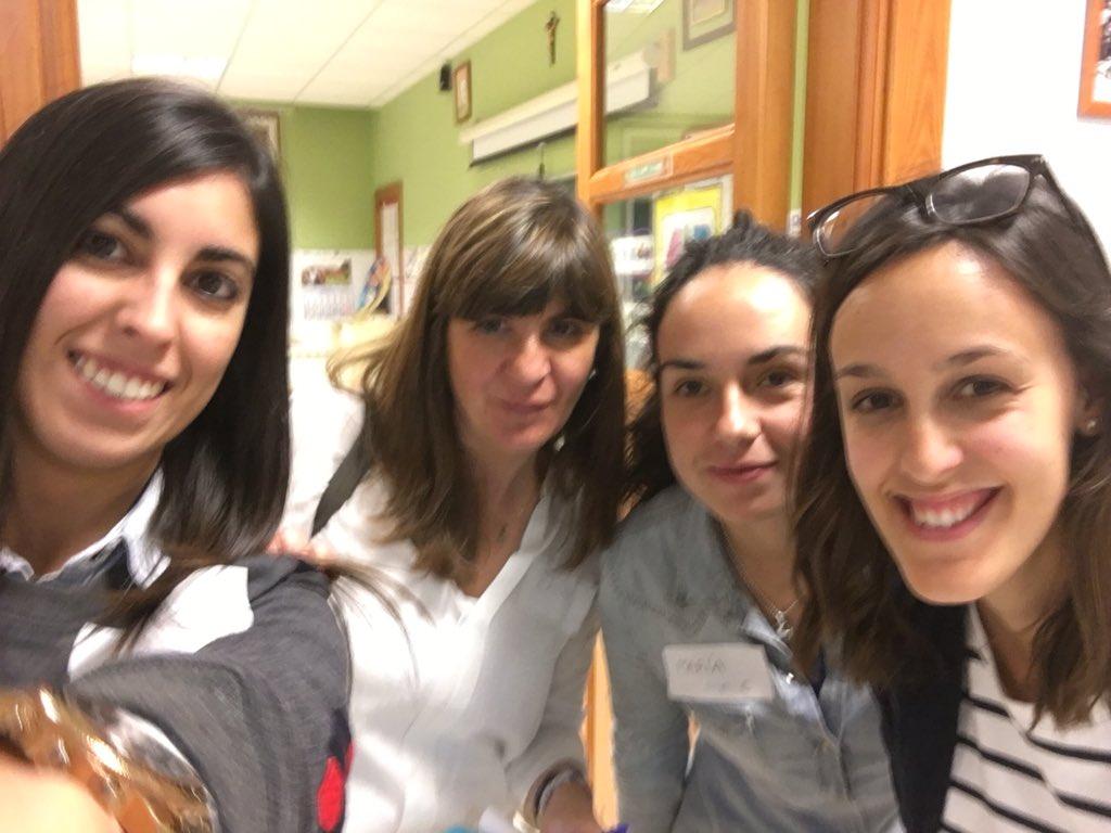 El grupo C en #SGLab #Raquel #Rocío #María @colsangregorio https://t.co/NNEVI5joE1