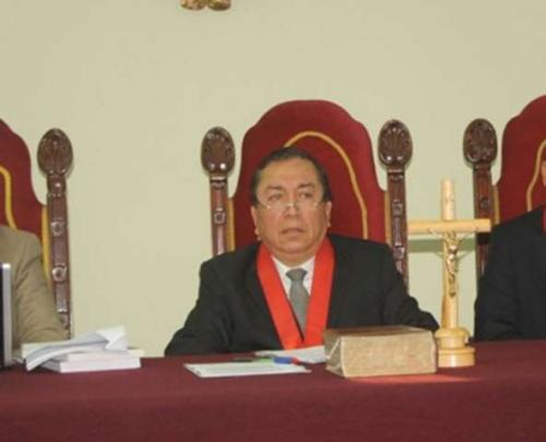 Escándalo: juez con vínculos apristas definirá amparo presentado por Alan García @LiliaMati https://t.co/yM2BYhdxik https://t.co/aLmgEEKkLZ
