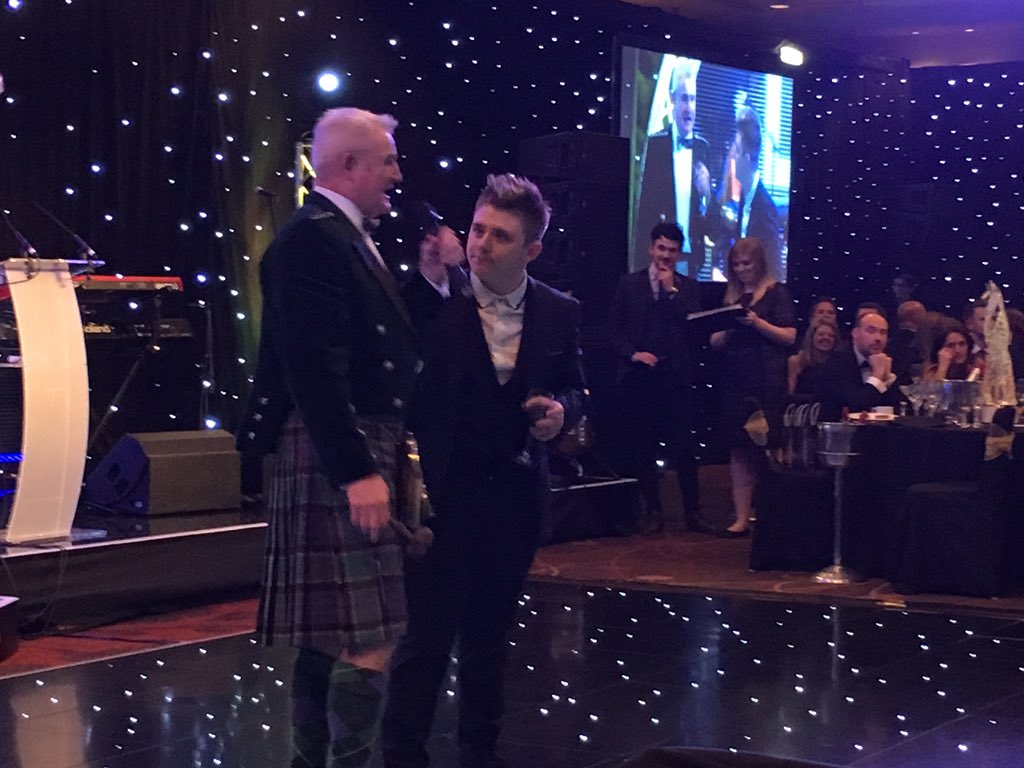 RT @MariessaDevlin: And the lovely @nickymcdonald1 has just kindly offered himself for @Beatson_Charity #beatsonball auction 💛 https://t.co…