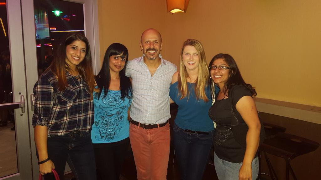 Had a great time at #HoustonImprov watching @MazJobrani!!! https://t.co/1A527fiYjB
