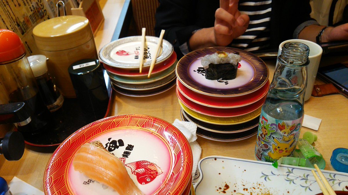 回ってるけどオーダーばっかしてる寿司屋は大半な様相です https://t.co/51UvhOVrhN