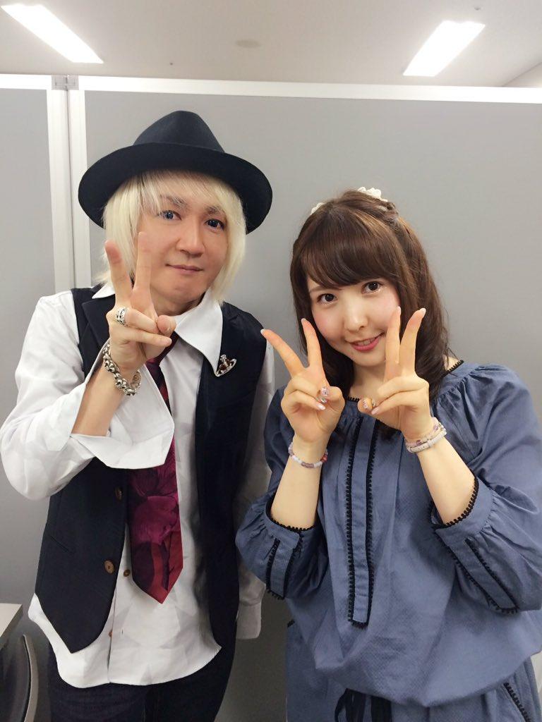 Daisuke Asakura meets 初音ミクステージ、無事終了しました٩(๑❛◇❛๑)۶  お写真撮ってもらいましたあぁ  #ぴよりむ #musicpark2015 https://t.co/Cw4dwkqyT2
