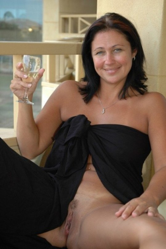 Free 40 Plus Milfs Porn on Best Naked Wife