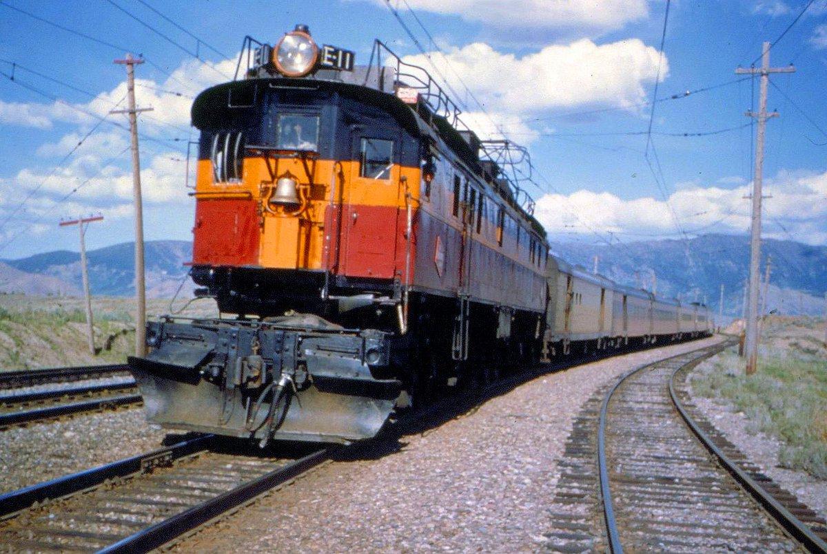 CTNwXtoXAAEng2W - Electric Railroad through the Rockies