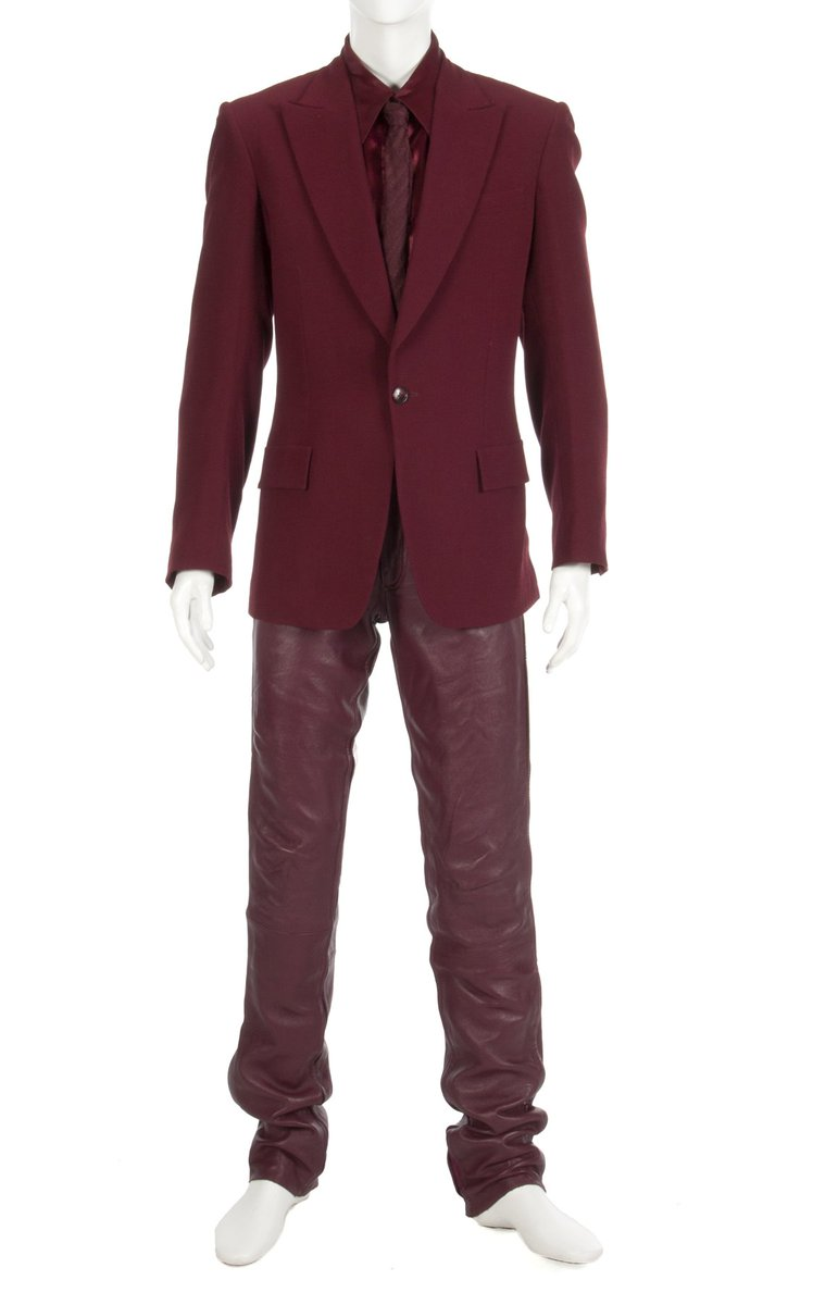 JUST SOLD for $38,400 in our Icons and Idols auction Michael Jackson​'s HIStory ensemble #MichaelJackson #Auction https://t.co/CnWsNazlci
