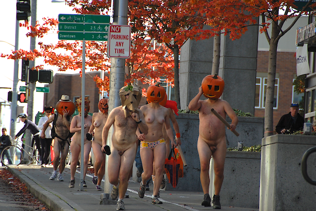 All nude halloween run