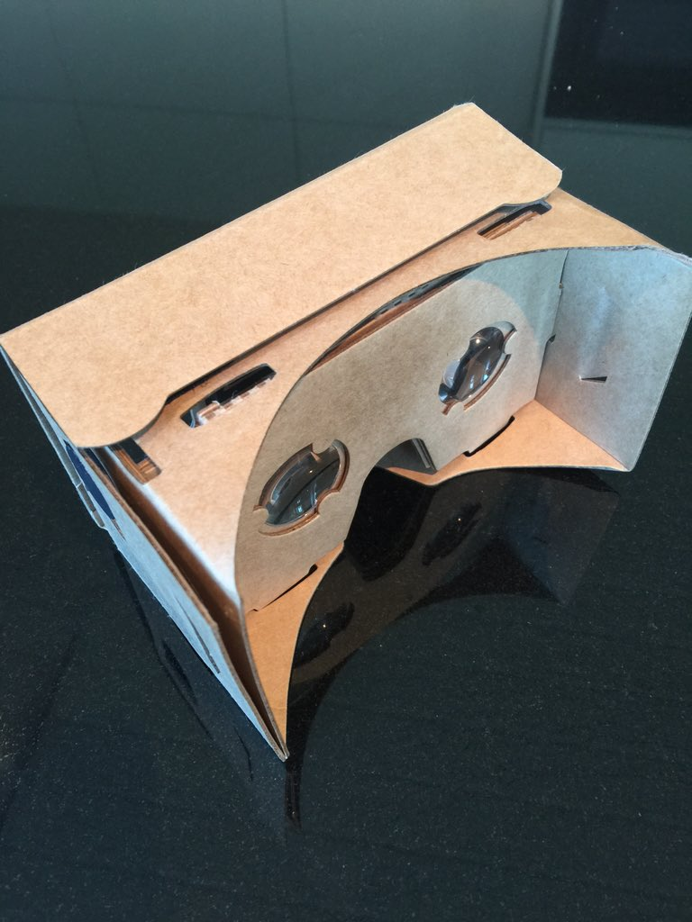 Amazing how innovators like Oculus Rift and PlayStation VR, can be challenged by your own phone and some cardboard.. https://t.co/1IthCu9oYK