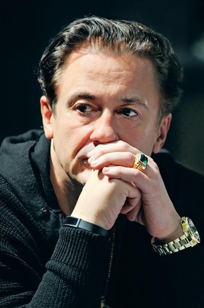 Олег Меньшиков - голубой | Life-star.ru