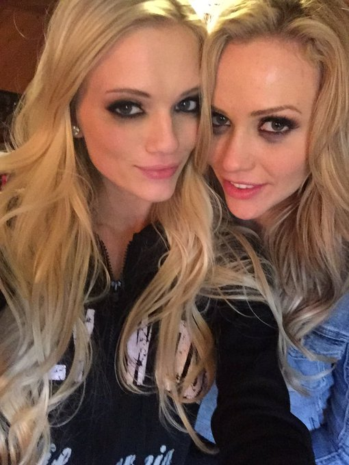Post-sex makeup w/ my twin @MiaMalkova ? @girlswaynetwork ❣ https://t.co/PN7SS6zVLt