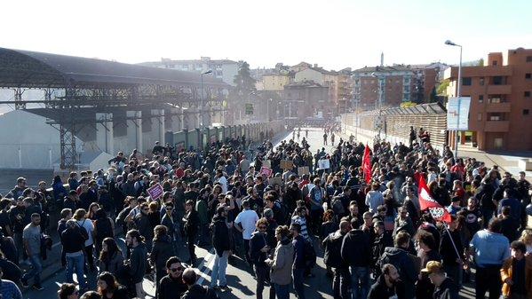 #Italy: Demo against #Salvini and #Berlusconi in Bologna today. #Bologna8N #MaiConSalvini #BolognaNonSiLega #antifa<br>http://pic.twitter.com/KyN0bXz1JA