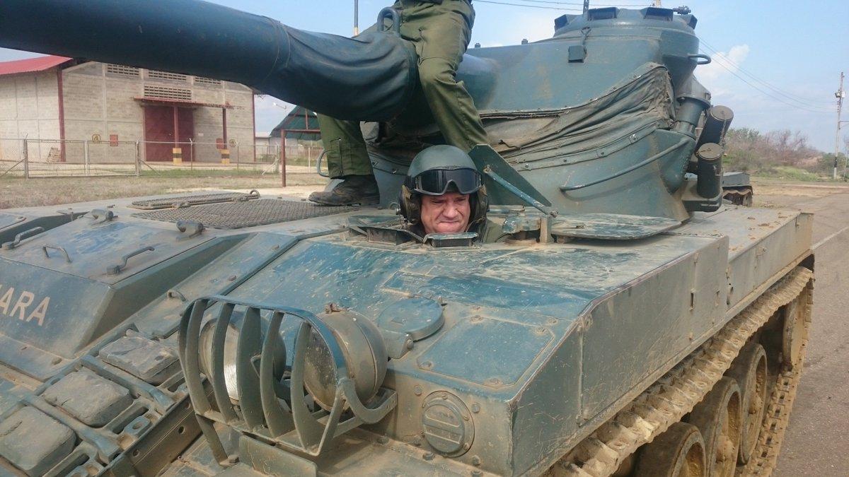 Repotenciación de los AMX-30V - Página 40 CTSvA81WwAA8pTJ