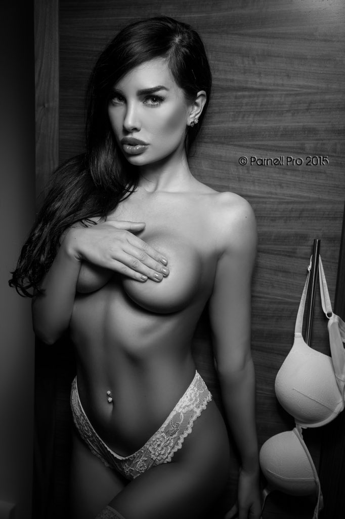 Miss this hottie @anndenisewilson -looking forward to our next shoot 🔥 @Fan_Of_Glamour @Glamour_Elite @ZOO https://t.co/rrh4FbVfSX