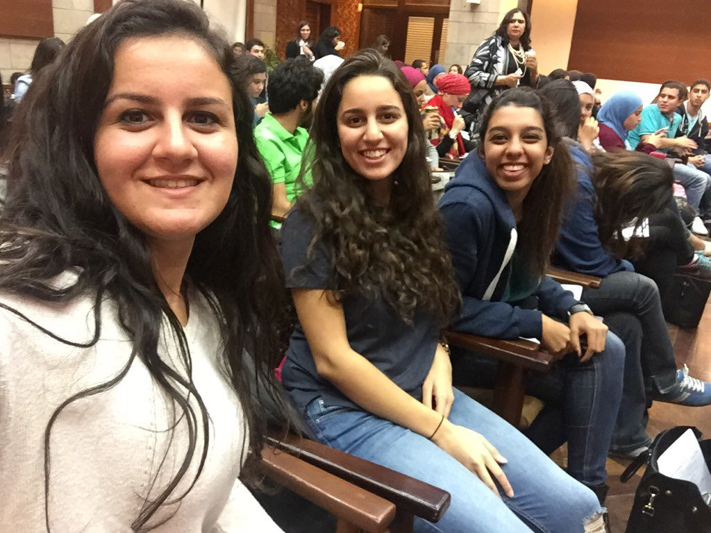 Waiting desperately for the event to begin. Tik tok tik tok.... @monicafawzy @ChristinaMagdy #JRMC2202 #AUC https://t.co/bTSbuIRJn1