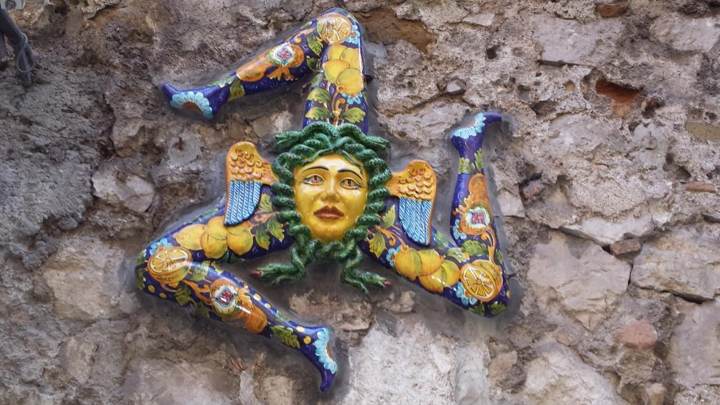Roohina Abdullah On Twitter Medusa Symbol Of Sicily Snakehead