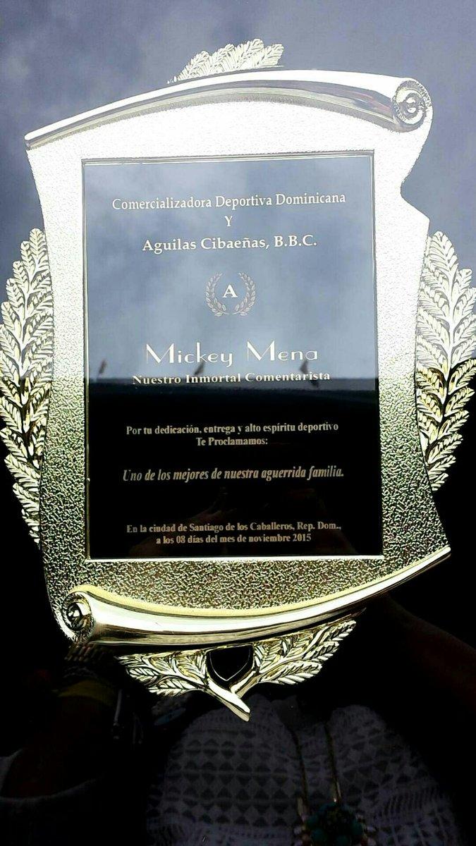 Muchas gracias a las @aguilascibaenas sus directivos, jugadores, compañeros de transmisión y todos sus fanáticos https://t.co/hxtZLbvP3v