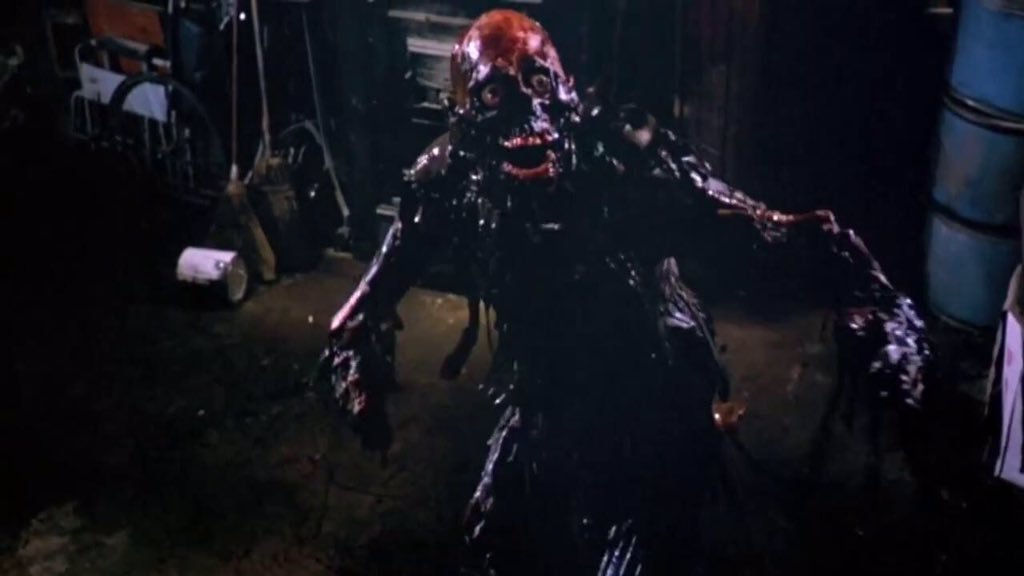 #TheWalkingDead sewer zombies are like a callback to The Return of the Living Dead (1985). https://t.co/4KudsFVA28