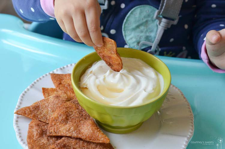Homemade Cinnamon Tortilla Chips #MiniChefMondays using our @Ingenuitybaby high chair! #ad https://t.co/tcryLi9tBh https://t.co/YhDRBNMCeB