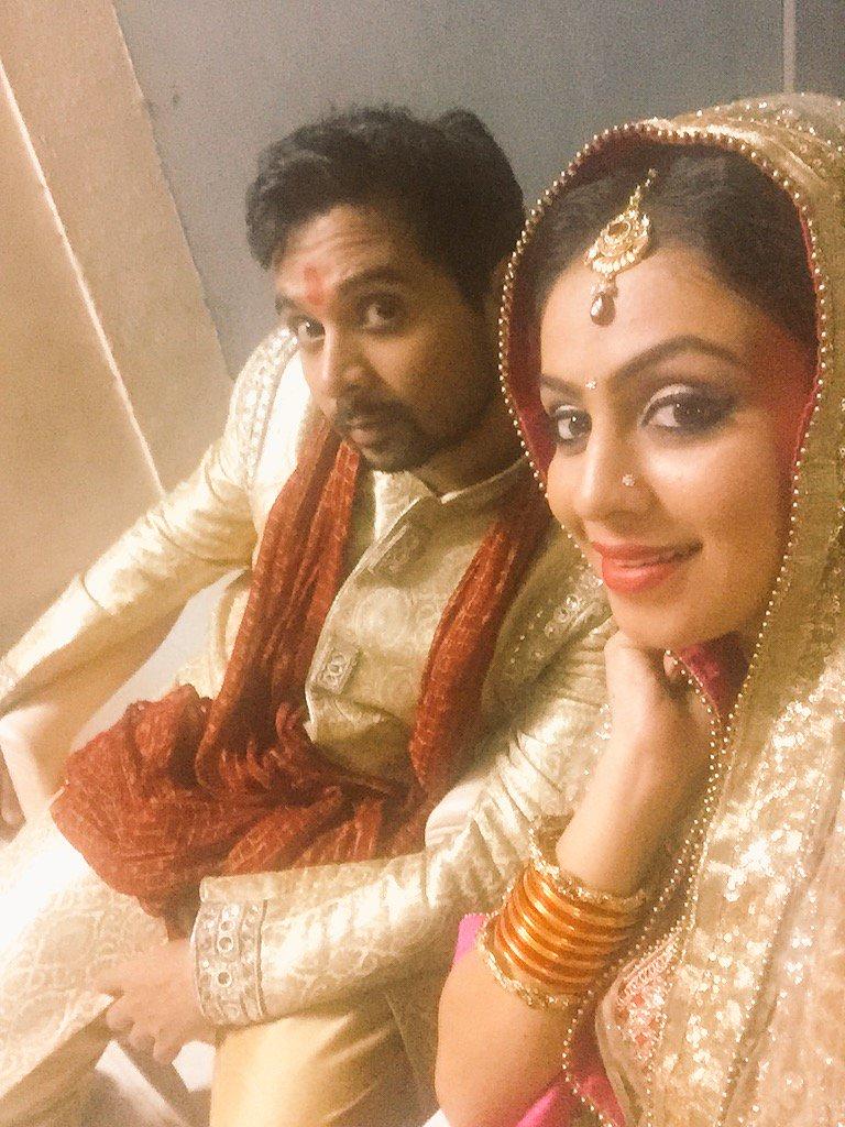 Sumit and Maya - Namit Das and Manasi Parekh in Sumit Sambhal Lega  off screen pic