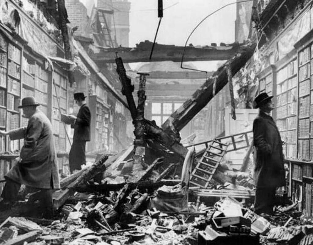 Image result for القراءة في زمن الحرب