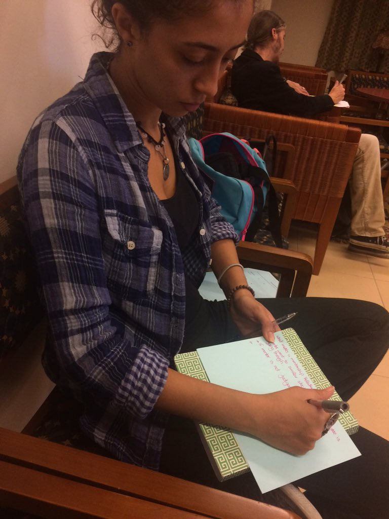 Student @Mariamelgammal6 writing her answer. #PT #AUC https://t.co/du9hdTQzct