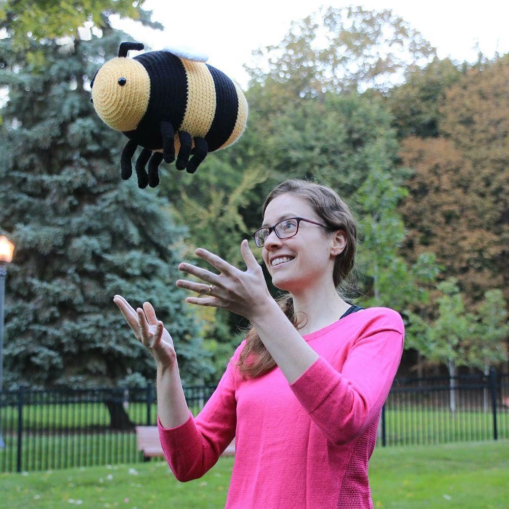 Free Bee Girl Amigurumi Pattern – Tales of Twisted Fibers   1000x1000