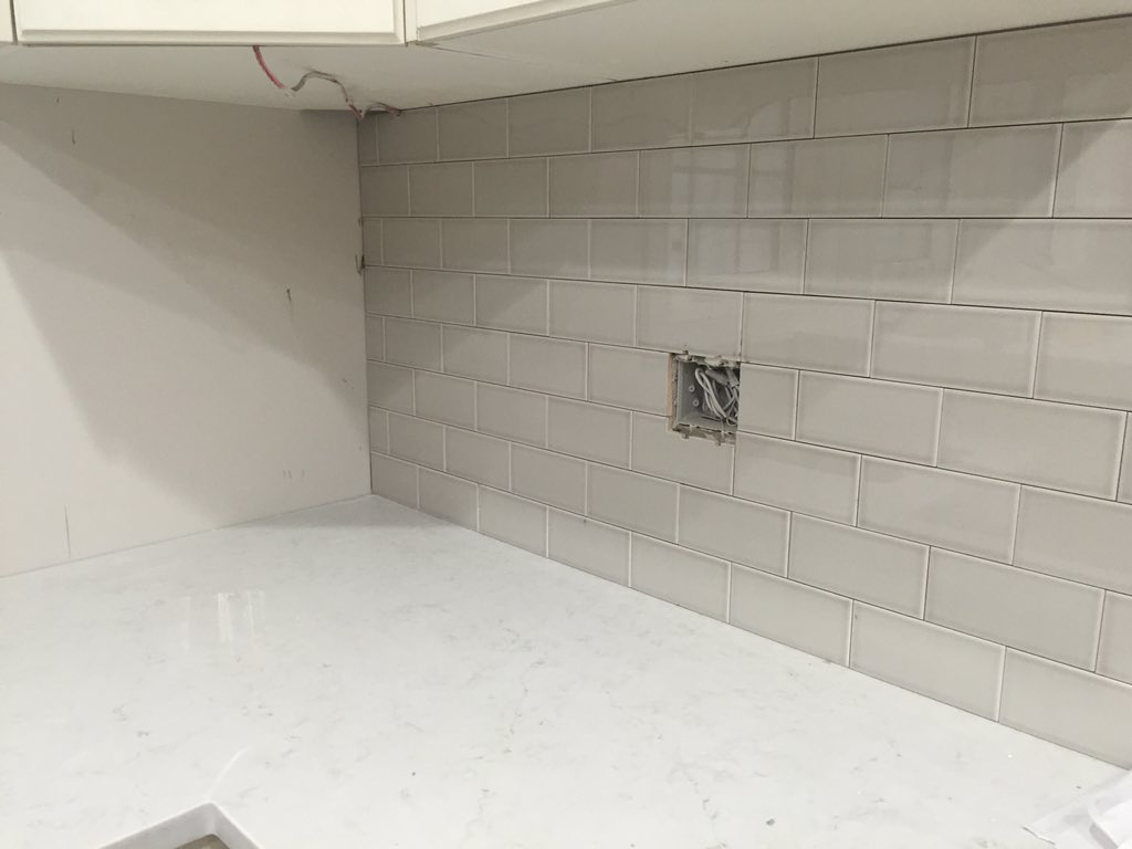 Cgj Tile On Twitter Here S A Little Snapshot Of What I M Working Today H Line 3x6 Colour Pumice Backsplash Https T Co Rbxmajv4vv