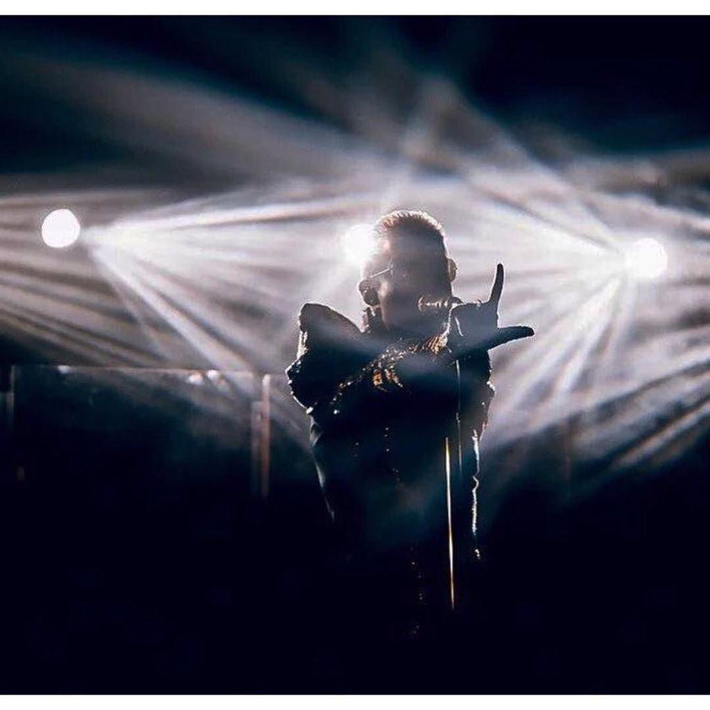 last show tomorrow #endoftheworldtour #feelitall #moscow #russia #theend https://t.co/G38qJxdLI7