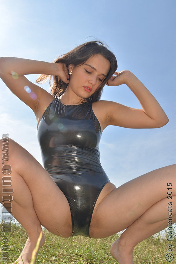 latex milf nudist sex