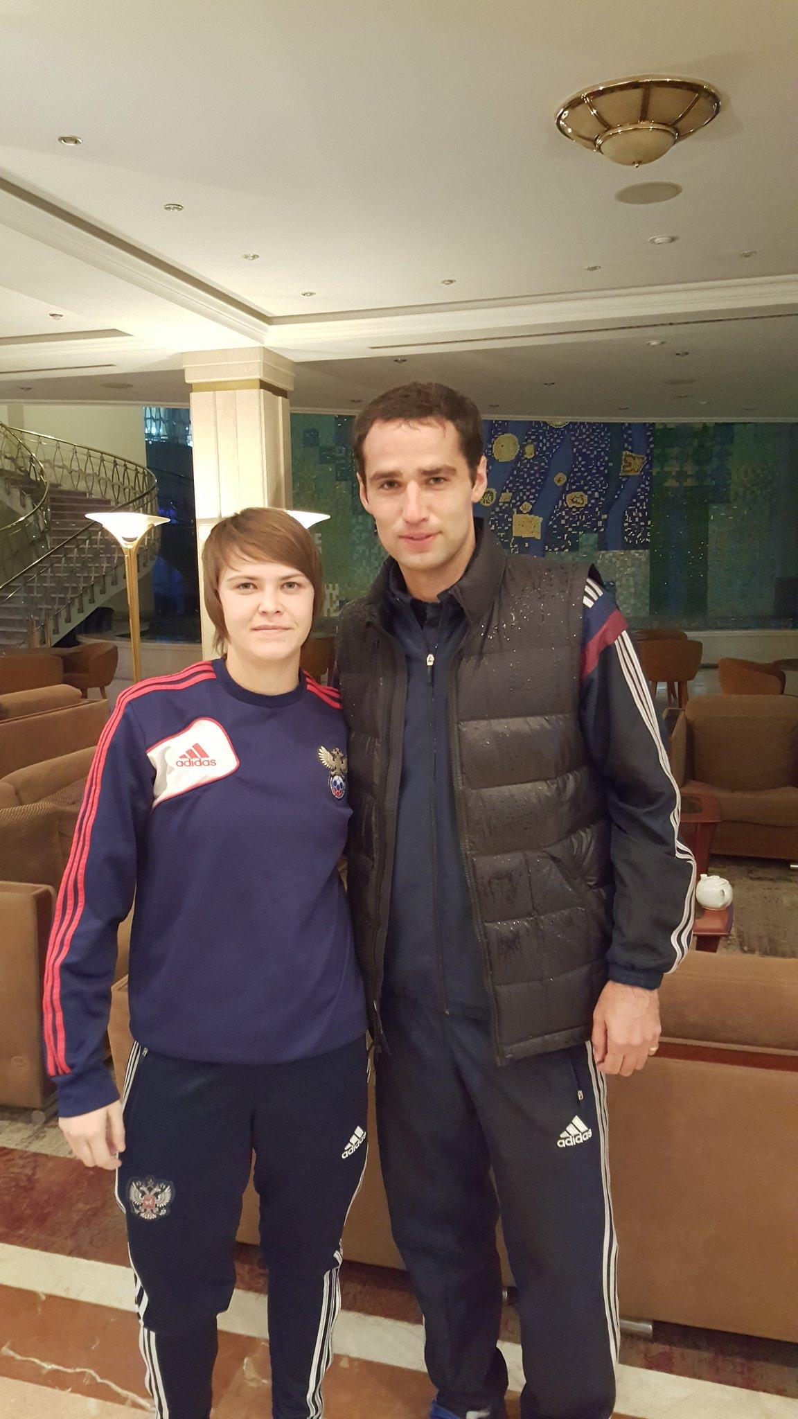 Широков сфотографировался со своей однофамилицей из женской сборной России по футболу
